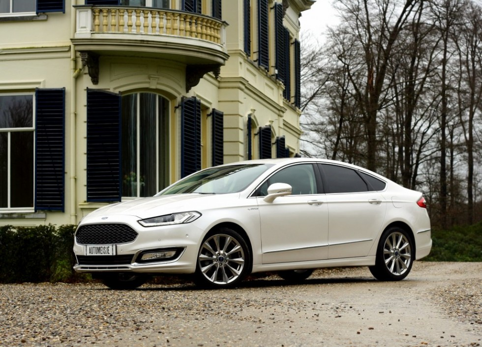 Getest Ford Mondeo Vignale